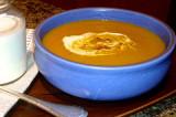 Soupe d'automne au potiron avec sa mousse de canneberges